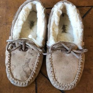 Kids ugg slipper